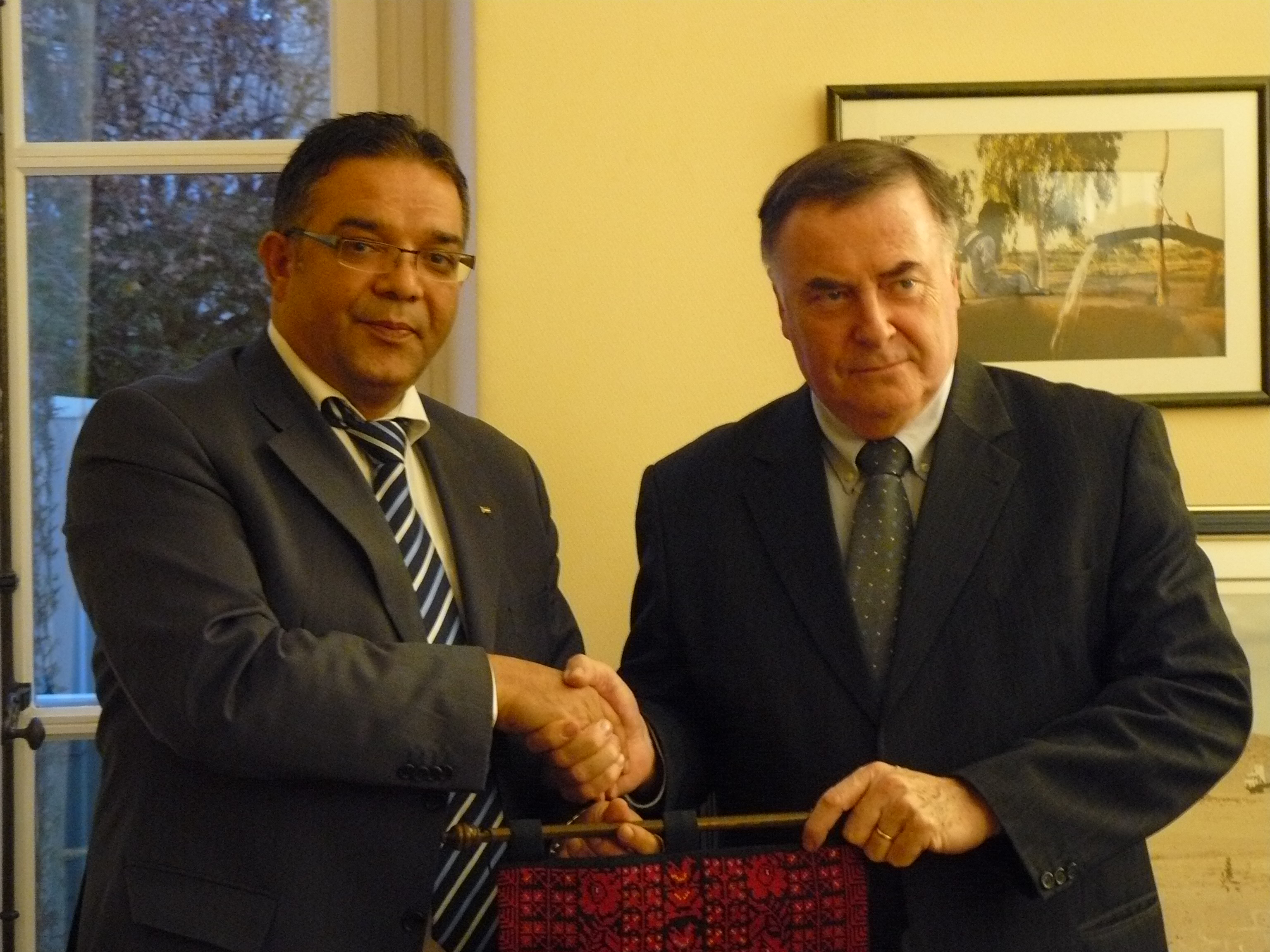 Loïc Fauchon meets the minister of water from Palestinian authority