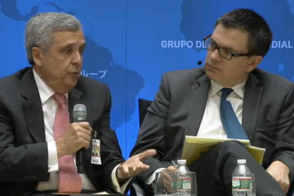 "World Water Council President Benedito Braga (left) and US Industry and Energy Editor of the Financial Times Ed Crooks at the panel ""Rising to the Renewable Energy Challenge – Tapping the Potential and Doing it Right"" - World Bank-IMF Annual Meeting, 10 October 2014"