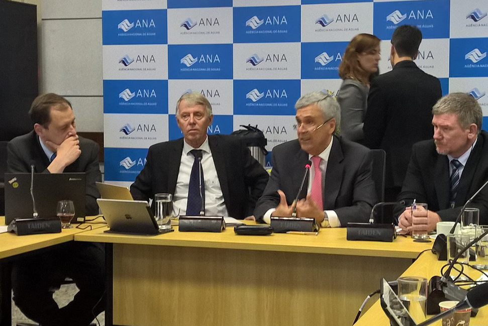 World Water Council President Benedito Braga (center), surrounded by Thematic Process Commission Chair Torkil Jønch Clausen and Vice-Chair Jorge Werneck-Lima, speaks during the Thematic Commissions and Coordination Groups joint meeting in Brasilia, Brazil, February 2017